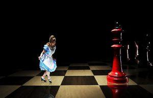 alice-meets-the-red-queen_clocksforseeing